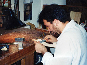 Mr Trabucchi during the construction of an instrument